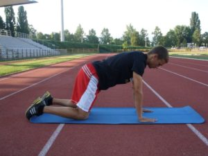 8. Izdržaj suprotna ruka i suprotna noga